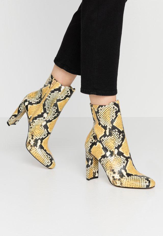 AURELLANE - High Heel Stiefelette - light yellow