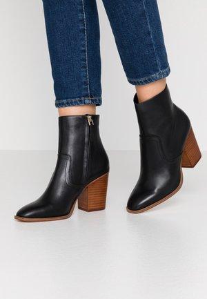 THIELLE - Boots à talons - jet black