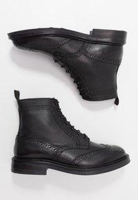 ALDO - VANELLUS - Šněrovací kotníkové boty - black - 1