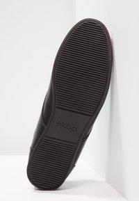 ALDO - AAUWEN - Volnočasové šněrovací boty - black - 4