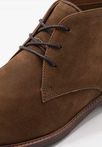 ALDO - GALIAWIEN - Zapatos con cordones - taupe - 5
