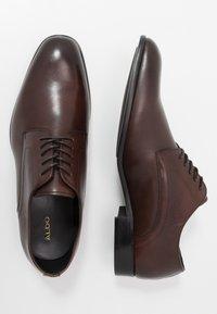 ALDO - PROVEN - Elegantní šněrovací boty - dark brown - 1