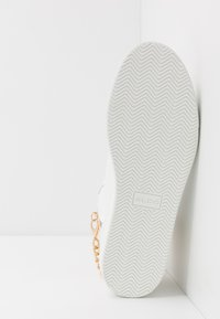 ALDO - VARVES - Sneakersy wysokie - white - 4