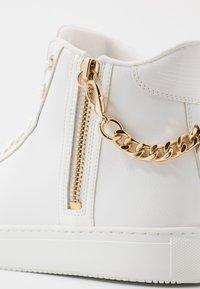 ALDO - VARVES - Sneakersy wysokie - white - 5