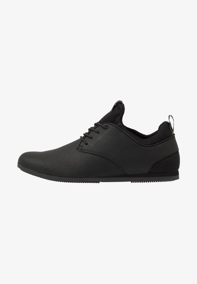 PREILIA - Sneaker low - black