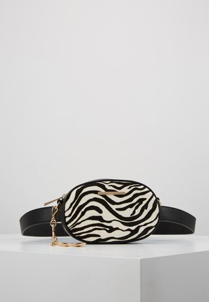 GRABER - Bum bag - white/black
