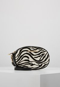 ALDO - GRABER - Bum bag - white/black - 5