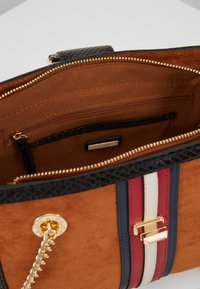 ALDO - YERAWIA - Handbag - rust - 4