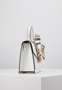 ALDO - GLENDAA - Handtasche - bright white/gold-coloured - 4