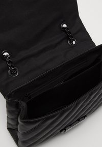 ALDO - HALOBAENA - Käsilaukku - black - 4
