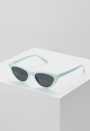SUVYAN - Sunglasses - light green