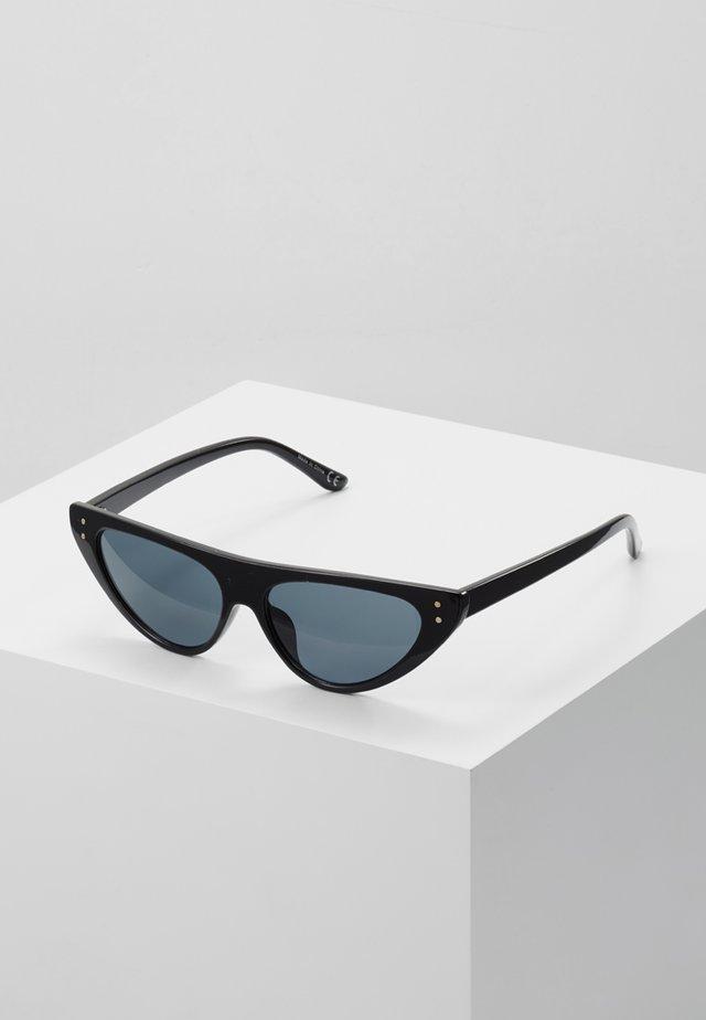 QUCIA - Occhiali da sole - black