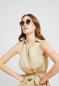 ALDO - OCALICIA - Sonnenbrille - gold - 1