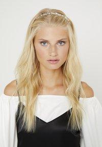 ALDO - LIGORWEN - Hair styling accessory - white - 1