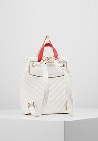 ALDO - DISNEY MINIPACK MICKEY - Rucksack - bright white/gold-coloured - 3