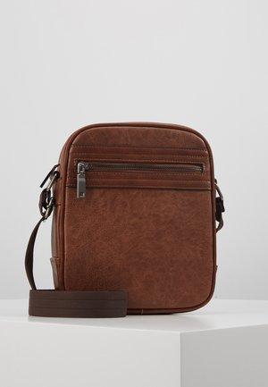 KARKLU - Across body bag - brown