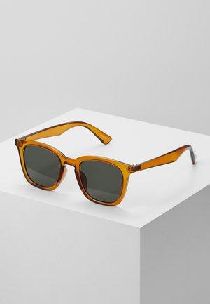 ESKY - Occhiali da sole - crystal rust/green mono