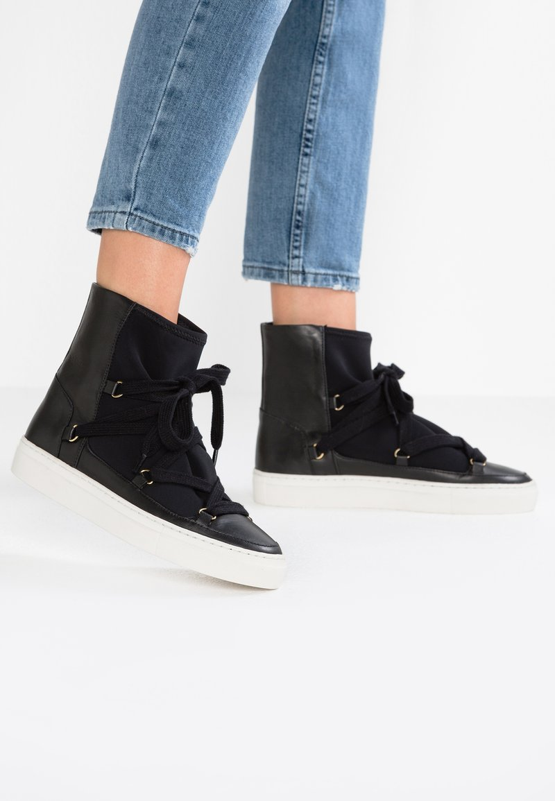 another project - High-top trainers - black