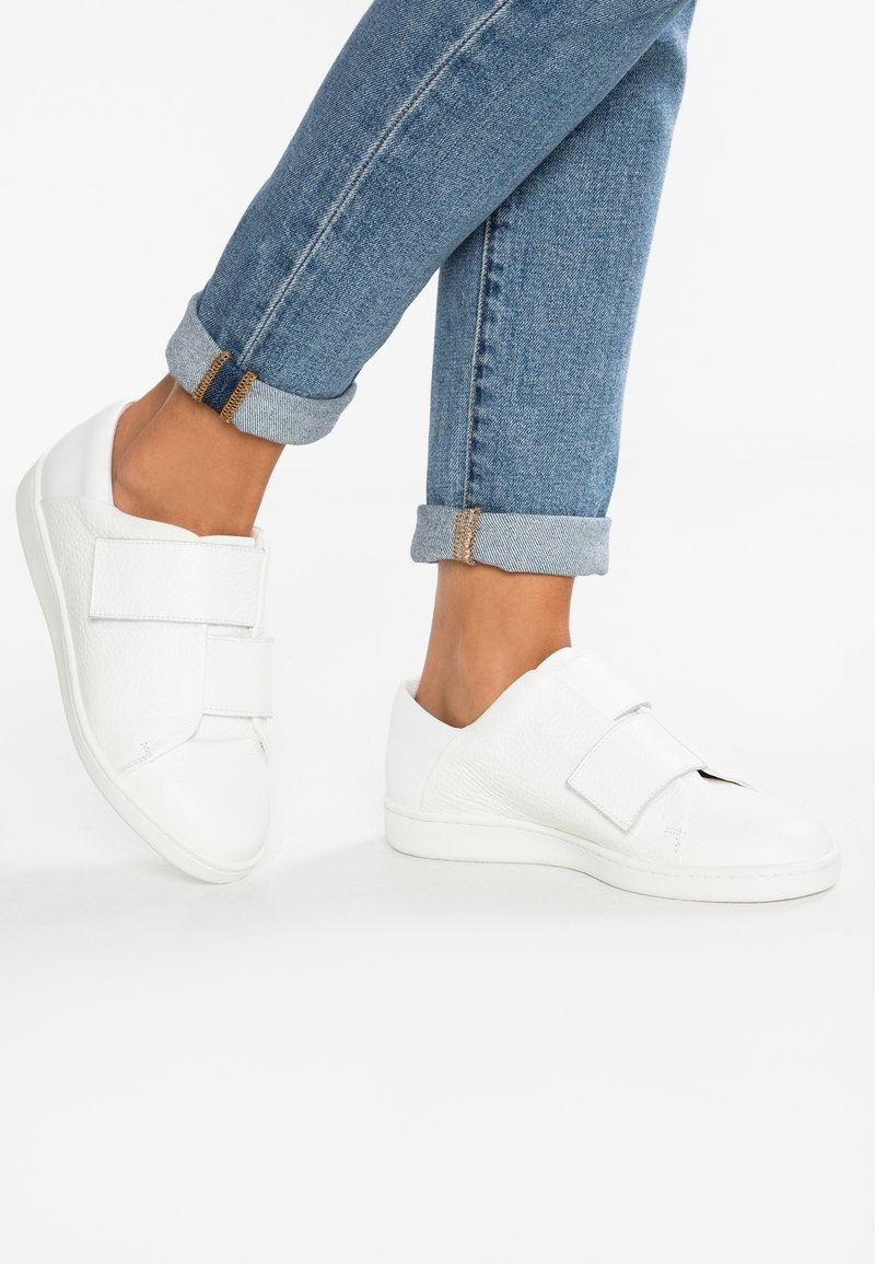another project - Trainers - white