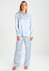 ASCENO - Pyjama bottoms - sky stripe - 1