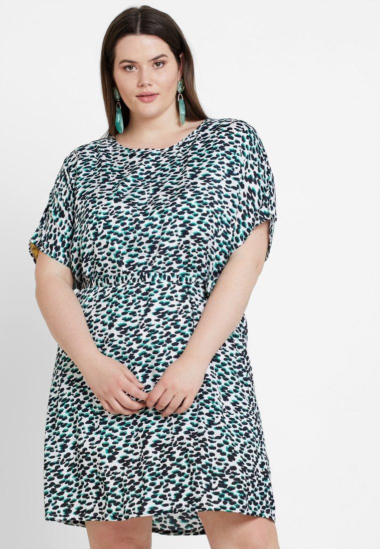 ADIA - LEOPARD TILDA PRINTED SHIFT DRESS - Sukienka letnia - green bean