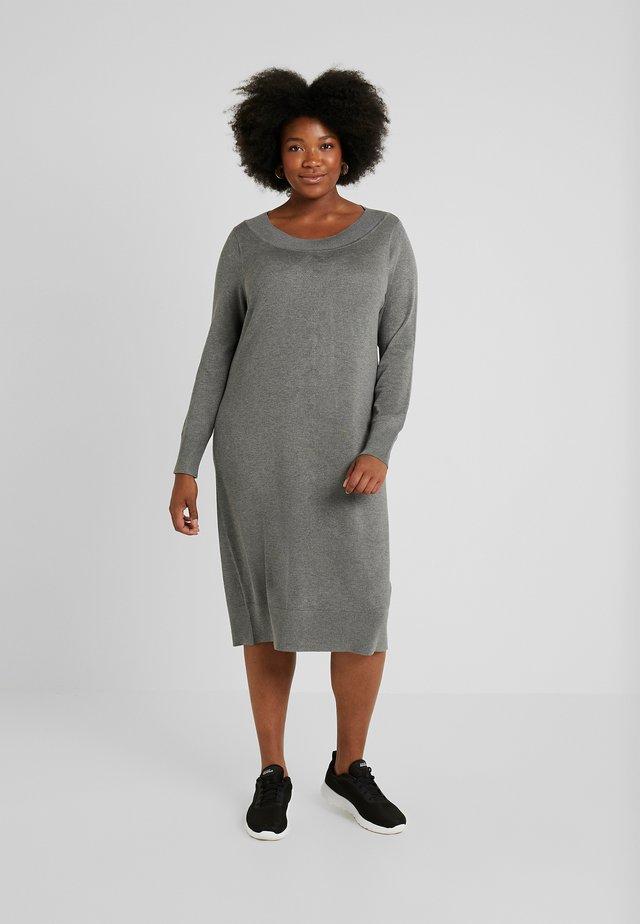 DRESS O NECK SLEEVES - Strickkleid - grey melange
