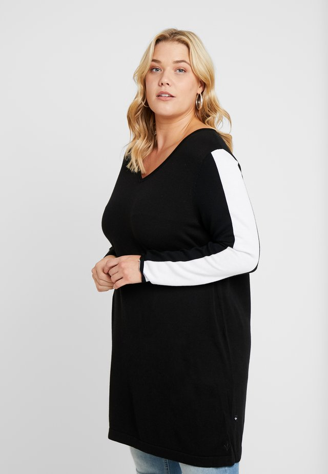 V-NECK SLEEVES - Pullover - black