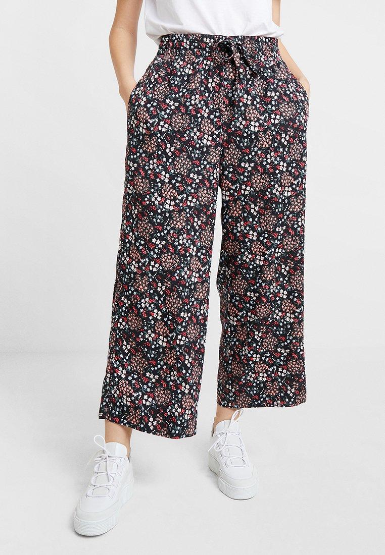 Abercrombie & Fitch - CROP PANT - Pantaloni - black