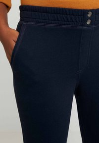 Abercrombie & Fitch - HIGH RISE JOGGER - Tracksuit bottoms - sky captian - 4
