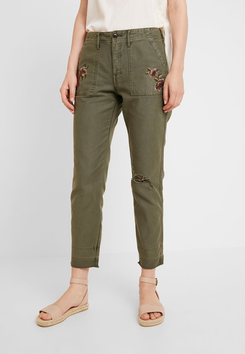 Abercrombie & Fitch - EMBROIDERY - Kalhoty - olive