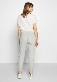 Abercrombie & Fitch - TREND LOGO JOGGER  - Joggebukse - moss grey - 2