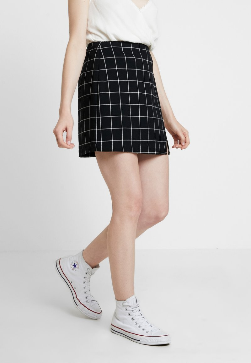 Abercrombie & Fitch - CHECK SKIRT - A-line skirt - black