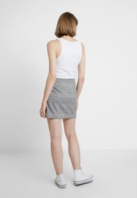 Abercrombie & Fitch - CHECK SKIRT - Spódnica mini - cream - 2