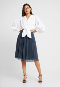 Abercrombie & Fitch - PLEATED MIDI SKIRT - A-linjekjol - navy - 1