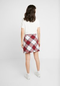 Abercrombie & Fitch - PLAID STRUCTURE MINI - A-line skjørt - red/white - 2