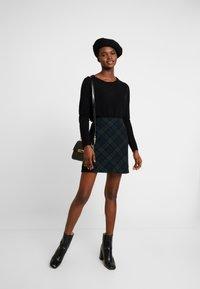 Abercrombie & Fitch - PLAID STRUCTURE MINI - A-line skirt - blackwatch - 1