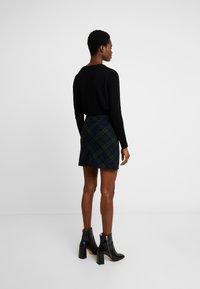 Abercrombie & Fitch - PLAID STRUCTURE MINI - A-line skirt - blackwatch - 2