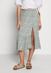 Abercrombie & Fitch - RUFFLE MIDI - Gonna a campana - green floral - 0