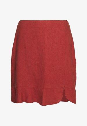 RUFFLE HEM - Mini skirt - henna red