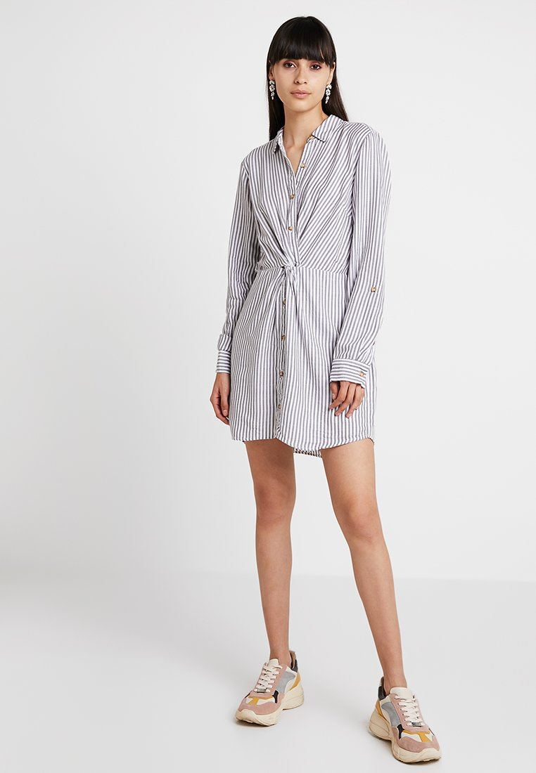 Abercrombie & Fitch - Skjortekjole - grey/white