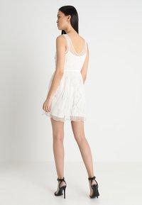 Abercrombie & Fitch - SHINE PARTY DRESS - Vestito elegante - cream - 2