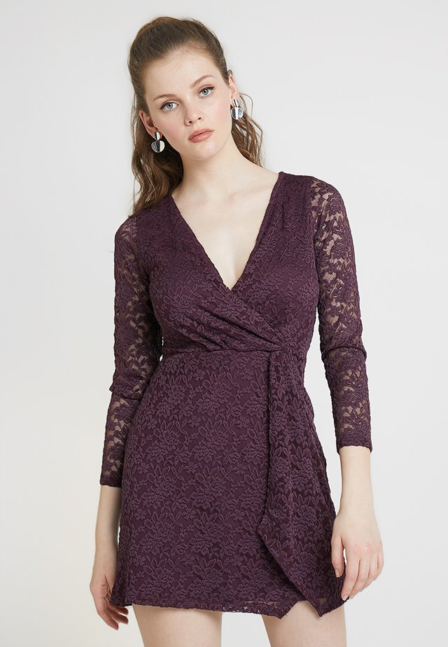 TWIST FRONT DRESS  - Cocktailkleid/festliches Kleid - purple