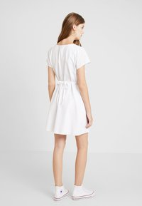 Abercrombie & Fitch - CAMP DRESS - Abito a camicia - white solid - 3