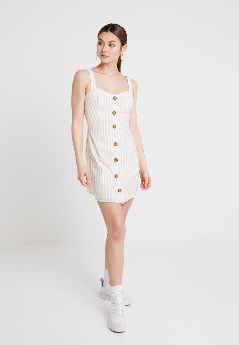 Abercrombie & Fitch - UTILITY - Shirt dress - tan