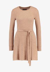 Abercrombie & Fitch - COZY DRESS - Strikket kjole - camel - 4