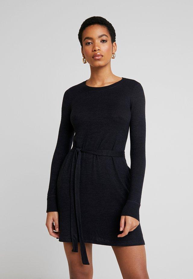 COZY DRESS - Gebreide jurk - black