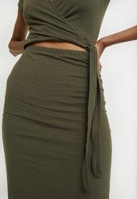 Abercrombie & Fitch - WRAP DRESS - Jersey dress - olive - 6