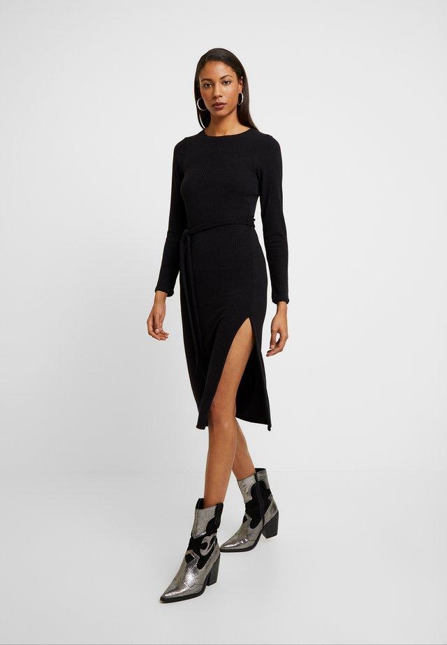 DRESS - Etui-jurk - black