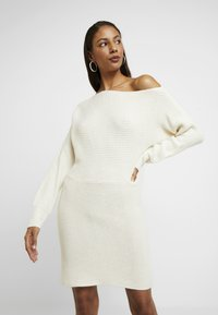 Abercrombie & Fitch - Robe pull - cream - 0
