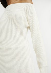 Abercrombie & Fitch - Robe pull - cream - 6